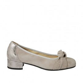 Woman's pump with bow and studs in taupe suede and silver laminated printed leather heel 3 - Available sizes:  34, 43, 45