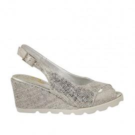 Sandalo da donna in camoscio stampato laminato argento zeppa 6 - Misure disponibili: 42