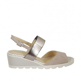 Sandalo da donna con elastici in camoscio grigio e pelle laminata argento zeppa 4 - Misure disponibili: 42, 44, 45