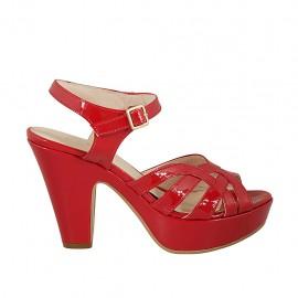 Sandalia para mujer en charol rojo con cinturon, plataforma y tacon 9 - Tallas disponibles:  31