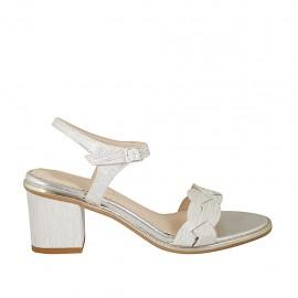 Sandalia con cinturon para mujer en piel estampada blanca y plateada tacon 6 - Tallas disponibles:  31, 32, 33, 34, 42, 43, 44, 45, 46