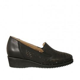 Zapato con elasticos y plantilla extraible para mujer en piel y piel perforada negra cuña 4 - Tallas disponibles:  32, 33, 42, 43, 44, 45