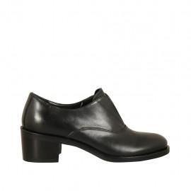 Chaussure pour femmes avec élastique en cuir noir talon 5 - Pointures disponibles:  33, 34, 43