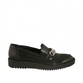 Zapato mocasin para mujer en piel negra con cadena cuña 3 - Tallas disponibles:  42, 43, 44, 45