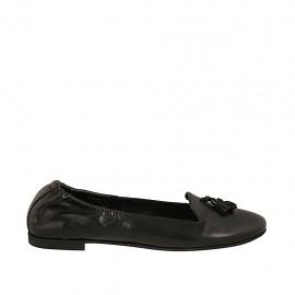 Zapato mocasino con elastico y borlas para mujer en piel color negro tacon 1 - Tallas disponibles:  42, 43, 44, 45, 46, 47