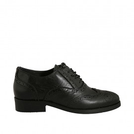 Woman's laced pointy Oxford shoe in black leather with Brogue decorations heel 3 - Available sizes:  33, 43, 44, 45