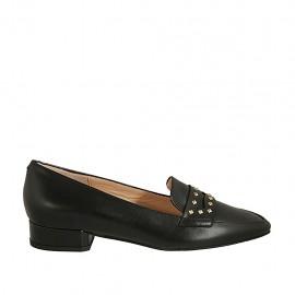 Spitzer Damenmokassin aus schwarzem Leder mit Nieten Absatz 2 - Verfügbare Größen:  43, 45