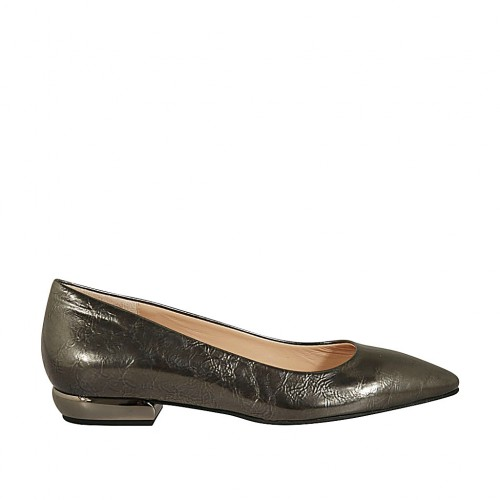 Woman's pointy pump in gunmetal patent leather heel 2 - Available sizes:  43, 44, 45