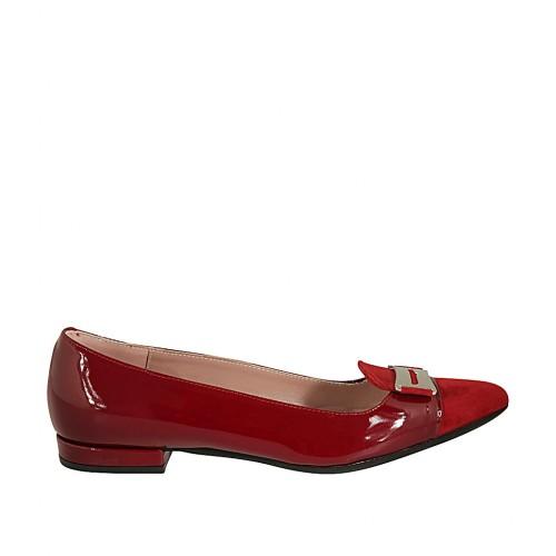 Mocasin à bout pointu pour femmes avec accossoire en cuir verni et daim rouge talon 1 - Pointures disponibles:  42