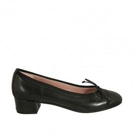 Damenpump aus schwarzem Leder mit Schleife Absatz 3 - Verfügbare Größen:  34, 42, 43, 44, 45