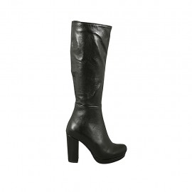 Woman's boot in black leather with zipper and platform heel 9 - Available sizes:  32, 33
