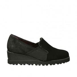 Chaussure à cou-de-pied haut pour femmes avec elastiques en daim et daim traité noir talon compensé 5 - Pointures disponibles:  32, 33, 34, 42, 43, 44, 45