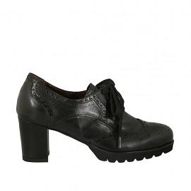Chaussure à lacets avec bout Brogue pour femmes en cuir noir talon 6 - Pointures disponibles:  33, 34, 42, 43, 44, 45