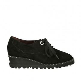 Zapato para mujer con cordones, plantilla extraible y tachuelas en gamuza negra cuña 4 - Tallas disponibles:  33, 34, 44