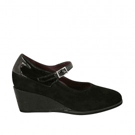 Woman's pump with strap and removable insole in black suede and patent leather wedge heel 5 - Available sizes:  32, 34, 43, 44, 45