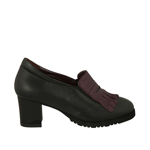 Woman's highfronted shoe with elastics, removable insole and fringes in black and maroon leather heel 5 - Available sizes:  33, 42, 43, 44, 45