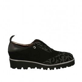 Chaussure pour femmes avec elastiques en daim, cuir et daim imprimé noir talon compensé 3 - Pointures disponibles:  33, 34, 44, 45