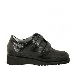 Chaussure pour femmes avec velcro et semelle interieur amovible en cuir et cuir verni noir talon compensé 3 - Pointures disponibles:  33, 34, 44, 45