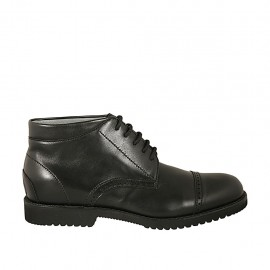 Men's sportive laced ankle shoe with captoe in black leather - Available sizes:  37, 38, 46, 47, 48, 49, 50