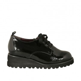 Woman's derby shoe with laces and removable insole in black patent leather wedge heel 4 - Available sizes:  43