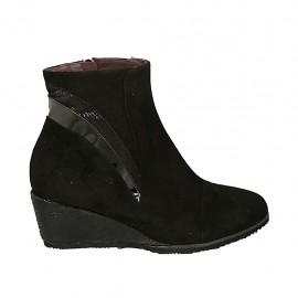Damenstiefelette mit herausnehmbarer Innensohle und Zip aus schwarzem Wild- , Lackleder und bedrucktem Leder Keilabsatz 5 - Verfügbare Größen:  31, 34, 42, 43, 44