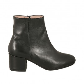 Woman's ankle boot with round tip and zipper in black leather heel 5 - Available sizes:  33, 42