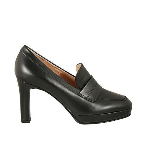 preordine grande qualità un'altra possibilità Scarpa accollata da donna con plateau in pelle nera tacco 8 ...