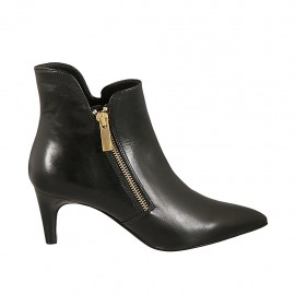 Woman's pointy ankle boot with zipper in black leather heel 6 - Available sizes:  32, 33, 34, 43, 44, 45, 47