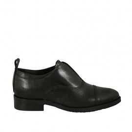Hochgeschlossener spitzer Damenschuh aus schwarzem Leder Absatz 3 - Verfügbare Größen:  42