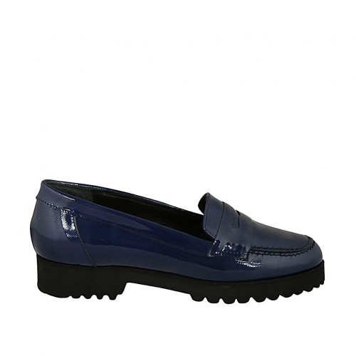 Woman's loafer in blue patent leather heel 3 - Available sizes:  44
