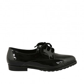 Woman's pointy laced derby shoe in black patent leather with velvet laces heel 2 - Available sizes:  33, 34, 42