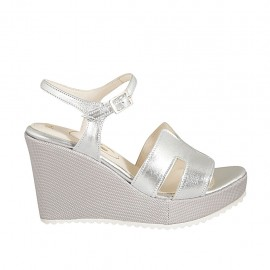 Woman's strap sandal in silver laminated leather and fabric with platform and wedge heel 9 - Available sizes:  31, 32, 33, 34