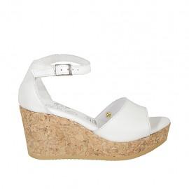 Zapato abierto para mujer con cinturon y plataforma en piel blanca cuña 7 - Tallas disponibles:  32, 33, 34