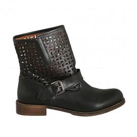 Bottines pour femmes avec boucle en cuir et cuir perforé noir talon 3 - Pointures disponibles:  32, 43, 45