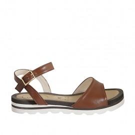 Sandale pour femmes avec courroie en cuir brun clair talon compensé 2 - Pointures disponibles:  33, 34, 42, 43, 44, 45, 46, 47