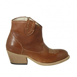 Woman's Texan ankle boot with zipper and embroidered captoe in tan brown leather heel 5 - Available sizes:  32, 33, 34, 42, 43, 44, 45, 46