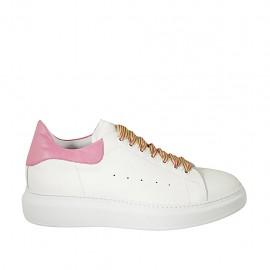 Chaussure à lacets pour femmes en cuir blanc et rose talon compensé 4 - Pointures disponibles:  42, 43, 44