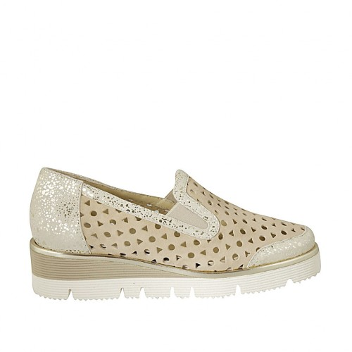 Woman's highfronted shoe with elastic bands in beige pierced and platinum laminated suede wedge heel 4 - Available sizes:  42, 43, 45