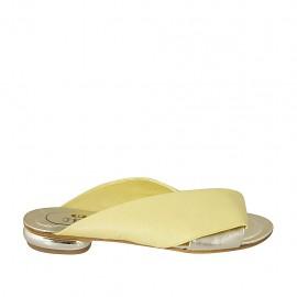 Offene Damenpantoletten aus gelbem und platinfarbenem laminiertem Leder Absatz 1 - Verfügbare Größen:  33, 34, 42, 43, 44, 45