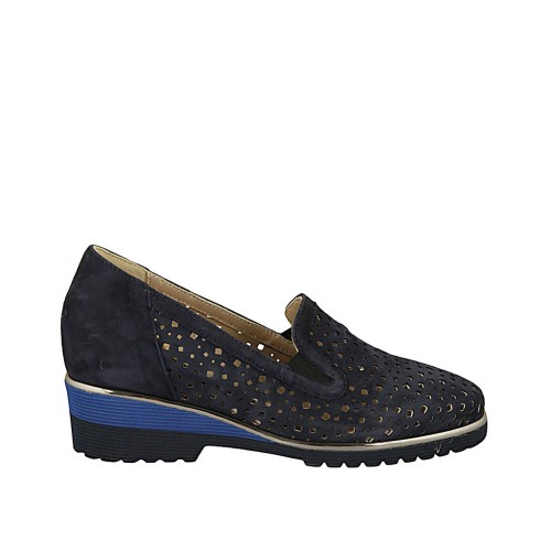 Woman's highfronted shoe with elastic bands and removable insole in blue suede and pierced suede heel 4 - Available sizes:  33, 34, 42, 43, 44, 45