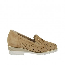 Woman's highfronted shoe with elastic bands and removable insole in beige suede and pierced suede heel 4 - Available sizes:  42, 43, 44, 45