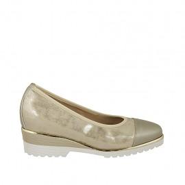 Zapato de salon para mujer con plantilla extraible en piel gris y gamuza imprimida laminada platino cuña 4 - Tallas disponibles:  31, 32, 34, 42, 43, 44, 45