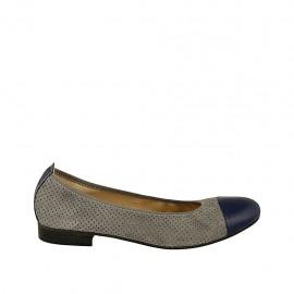 Zapato bailarina para mujer en gamuza perforada gris y charol azul tacon 2 - Tallas disponibles:  42, 45