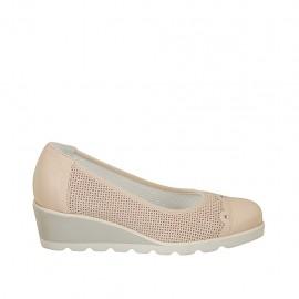 Zapato de salon con tachuelas para mujer en gamuza perforada y piel rosa cuña 4 - Tallas disponibles:  32, 33, 34, 42, 43, 44, 45