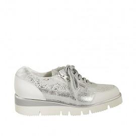 Zapato con cordones y cremallera para mujer en piel blanca y gamuza imprimida laminada plateada cuña 4 - Tallas disponibles:  33, 34, 42, 43, 44, 45