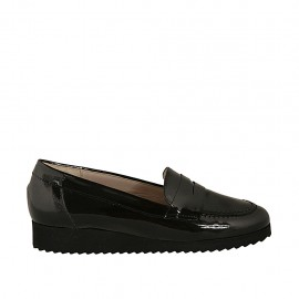 Woman's moccasin in black patent leather wedge heel 2 - Available sizes:  33, 34, 42, 43, 44, 45