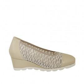 Zapato de salon para mujer en tejido transparente y charol beis con plantilla extraible cuña 5 - Tallas disponibles:  32, 33, 34, 42, 43, 44, 45