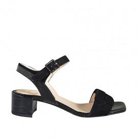 Sandalia con cinturon para mujer en gamuza y piel estampada negra tacon 4 - Tallas disponibles:  32, 33, 34, 42, 43, 44, 45, 46