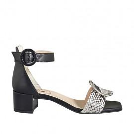 Zapato abierto para mujer con cinturon y acessorio en piel negra y estampada multicolor tacon 4 - Tallas disponibles:  32, 33, 34, 42, 43, 44, 45, 46