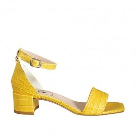 ?Offener Damenschuh mit Knöchelriemen aus gelbem bedrucktem Leder Absatz 4 - Verfügbare Größen:  33, 34, 43, 44, 45